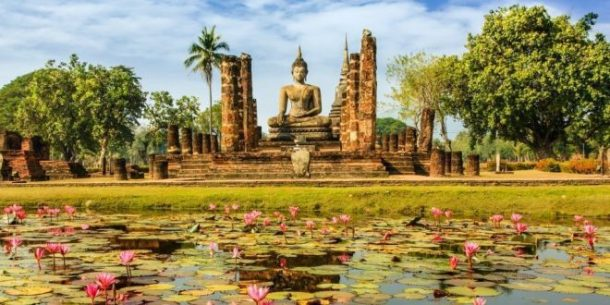 Parque arqueológico de Sukhothai-reinos de siam y río kwai