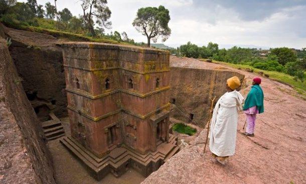 Iglesia excavada en la roca, Lalibela. - viaje por la ruta histórica de Etiopía