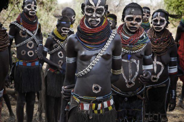 Ceremonia Nyangatom - circuito por Etopía sur