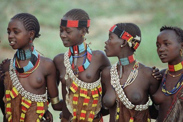 Mujeres Tsemay - viaje al sur de Etiopía