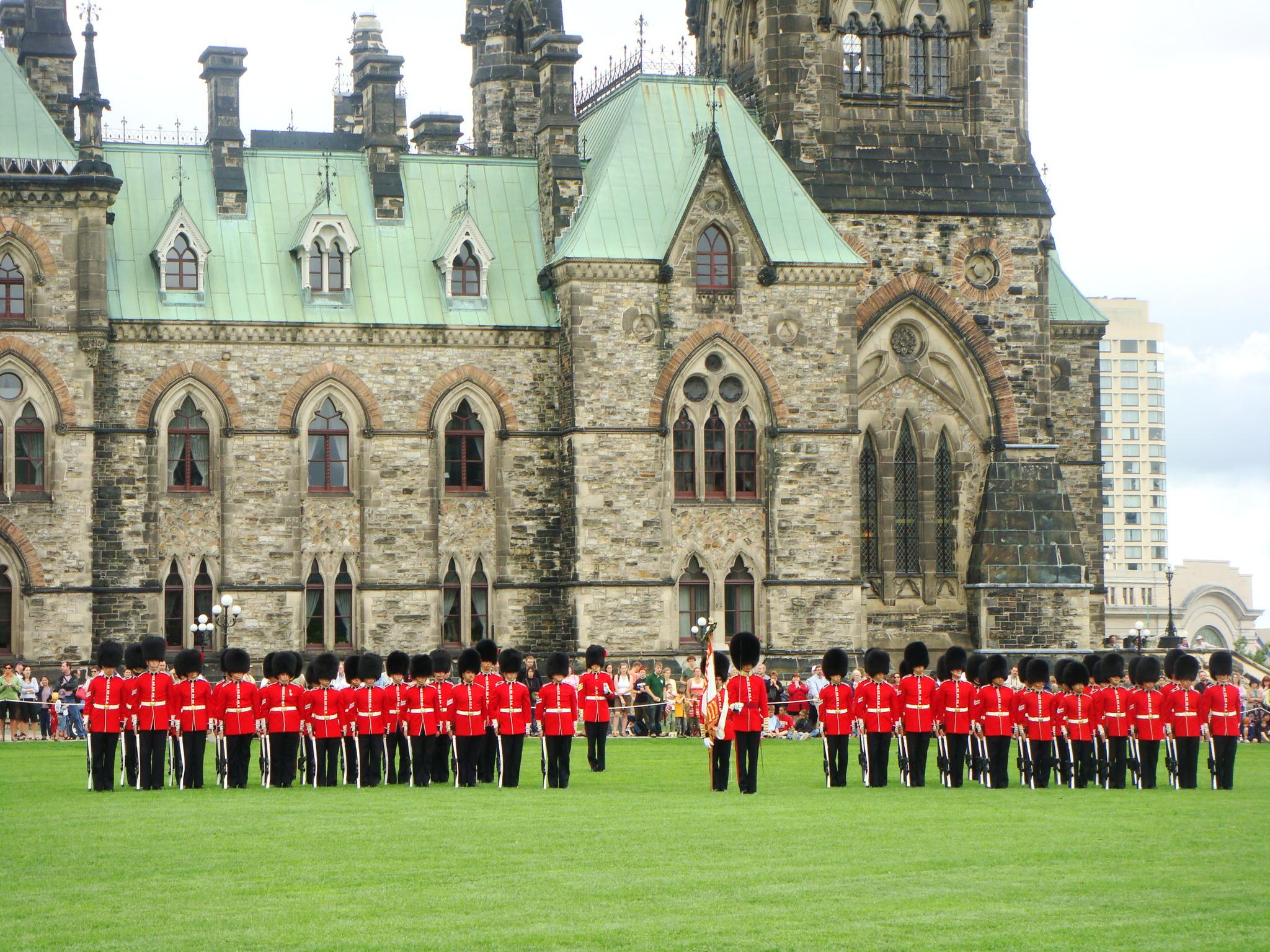 Ottawa, cambio de guardia colina del Parlamento-canada clasico especial con niagara