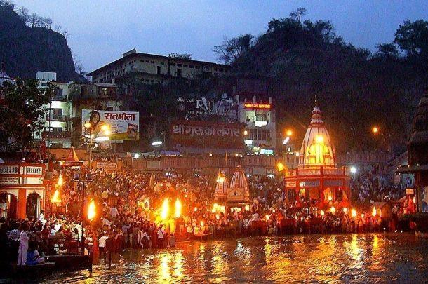 Ceremonia aarti-Haridwar-maravillas del norte de la india
